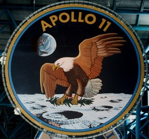 eisenhower-dollars-apollo-11-emblem-photo-by-dbking.jpg
