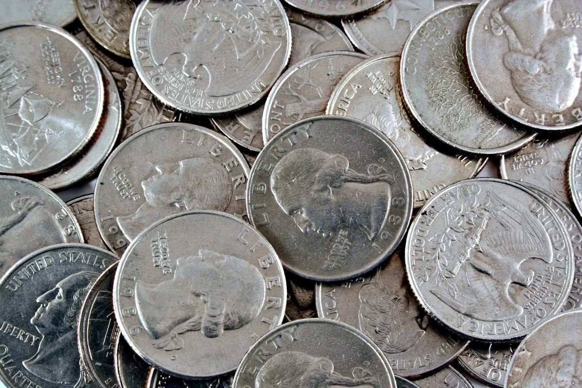Here's a list of valuable U.S. quarters worth more than face value that you can find in pocket change!